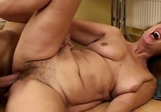 Hairy Pussy Mama Fucked By Young Teen IntenselyHD