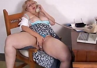 Mature BBW phone sex - 5 min