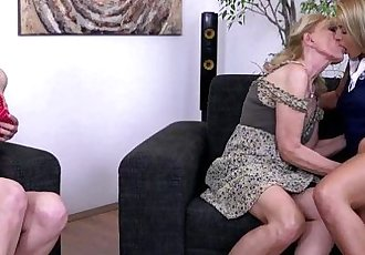 3 old and young lesbians playing with eachotherHD