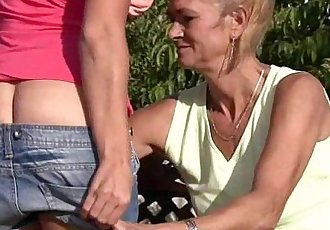 His old mom is licking and toying his GFs pussy - 6 min