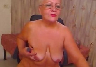 Stolen video of my old mum having fun on web cam. Great ! - 2 min
