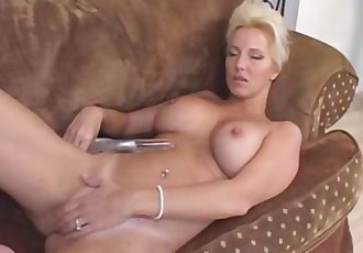 Older Mature Still Has A Fire For Orgasms