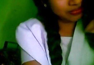 wwwindiangirlstk 印度 女朋友 業余的 接吻 彩信 丑聞 - 4 min