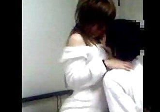 年轻的 中国 夫妇 自?#39057;?性爱 视频