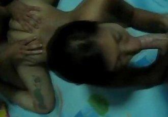 真的 泰國 青少年 蕩婦 搞砸 通過 2 公雞 - 4 min