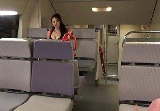 Sexo en el tren - 5 min HD