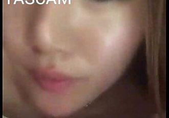 美丽的 亚洲 女孩 吸吮 小 迪克 - 34 sec