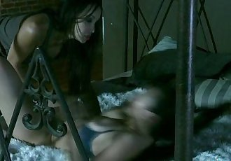 丰满 剃光 亚洲 女同性恋 Katsuni - 10 min hd