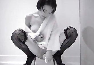 Chinese Tumblr Model 知一妹妹 ZhiYi - Masturbate