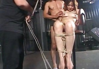 亚洲 辣妹 绑 起来 要 尝试 一个 性?#25353;?届会 - 8 min