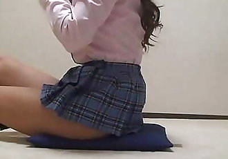 Japanese Schoolgirl Take Off School Uniform 2 min HD