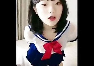 清純可愛學生蘿莉[初櫻]突破尺度自慰誘惑秀4