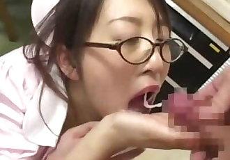 16 射精 對于 可愛的 日本 護士 - 日本 顏射 狂歡