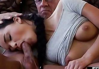 già người đàn ông điều cấm kỵ bọn khốn hắn Con trai Bạn gái trong cùng phòng