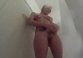Dahlia Sky takes a hot shower