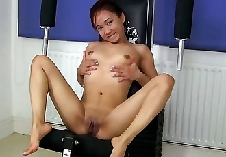 0781_Huge fist in the wet cunt of young asian slut