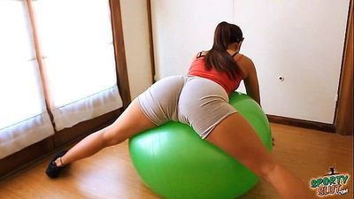 Round Ass Teen Working Out With Fitball Plus Cameltoe & Tits - 1 min 30 sec HD