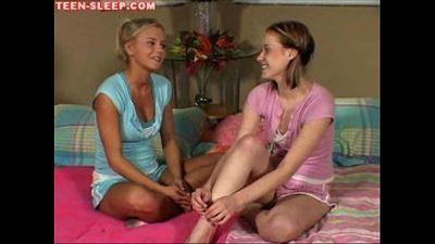 Bigtit Teen Lesbian Lick - 5 min