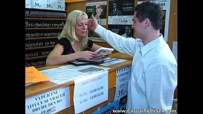 Quick sex in a DVD store - 6 min
