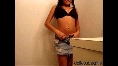 Young Stripping Latina pt2 - 56 sec