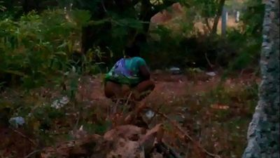 Indian maid aunty peeing outdoor-2 - 35 sec