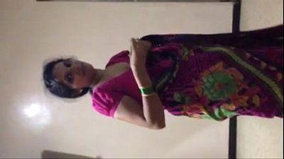 Indian Aunty - 1 min 35 sec