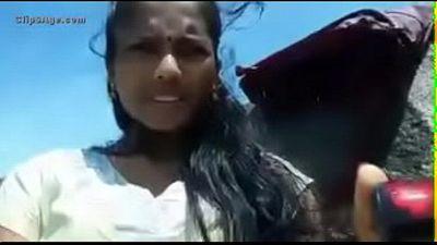 Indian teen outdoor in salwar - 24 sec