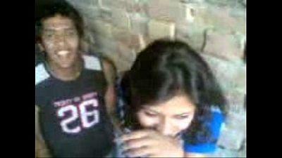 Indian Kiss - 21 sec