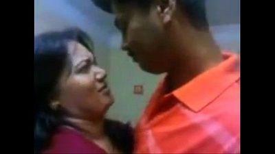 Indian aunty hot kiss - 2 min