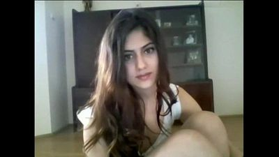 Beautiful Indian Girl Shows Small Boobs On WebCam - 6 min