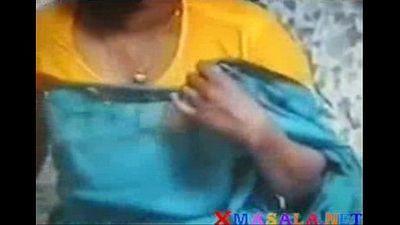 desi indian bhabhi exposing for husbands friend - 4 min