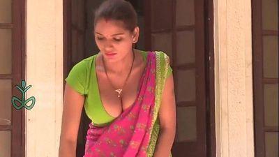 13 Shruti Bhabhi Naukrani ki majburi ka fayada uthaya or bana di dulhan ek raat ki Naukrani vide - 10 min