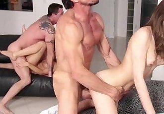 Horny babe Riley Reid wants it in her pussy