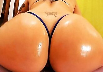 AMAZING ASS Busty Blonde Teen! Cameltoe, Ass n Tits! Yeah HD