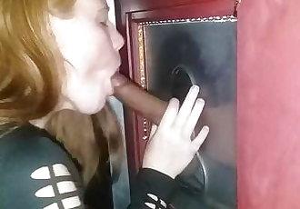 Teen tests out a gloryhole