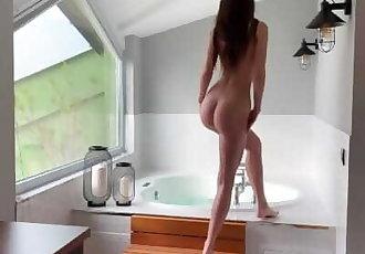 Fit girl getting fucked in bath - Mini Diva