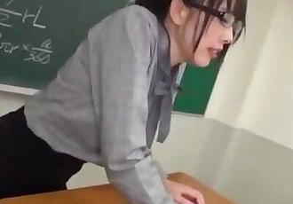 NITR-358 変態ドM美尻女教師のザーメン&小便 黒木いくみ