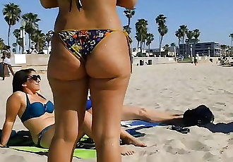 Candid Booty 75