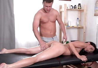 Tricky-Masseur - Roxy Sky - Hard massage for gentle holes