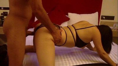 Hotwife mexicana Miau Miau cogida por señor vergón Hotwife and old bull cuckold