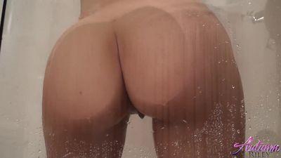 young girl masturbates shower
