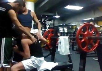 3-way sucking and fucking at the gym