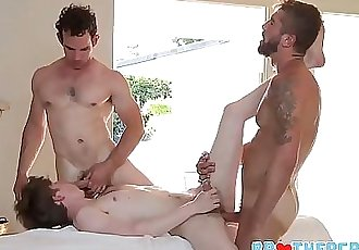 Twink Step Brother Threesome With Step Brother And Best Friend During Massage 8 min 720p