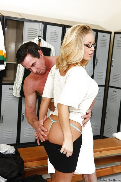Stupendous blonde Nicole Aniston gets her pussy licked and slammed hardcore