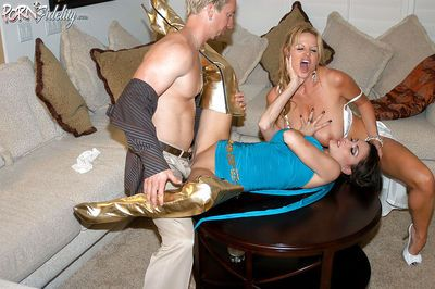 Clothed milf Jessica Jaymes enjoys an hardcore threesome groupsex