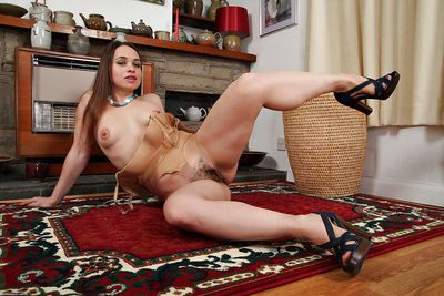 European housewife Olga Cabaeva making nude modelling debut - part 2