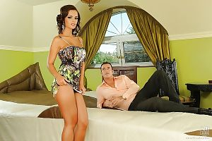 Jaw-dropping hot european babe gets her shaved gash boned-up and creampied