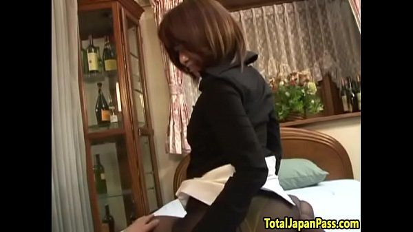 Hairy oriental babe screwed after pussyplay