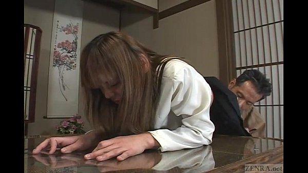 जापानी छात्रा विचित्र पिटाई करते हुए और तीन प्रतिभागियों का सम्भोग सबटाइटल