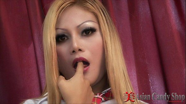Blonde Thai Girl Sucking Cock HD